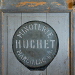 Le pochoir fabriqué par Pierre Huchet et destiné à marquer les sacs